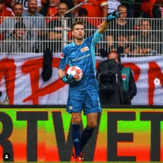Revolt_Pro_Turquoise_Catch_and_Keep_Andreas_Luthe